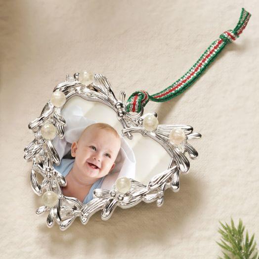 Newbridge Silverware | Mistletoe Heart Frame Decoration