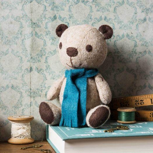 Corinne Lapierre   Vintage Teddy Kit