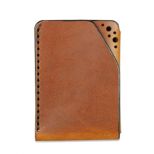 Fiáin   Handmade Brown Leather Cardholder
