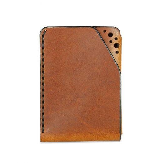 Fiáin   Brogue Leather Card Wallet   Chestnut