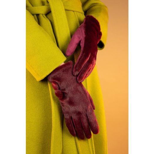 Powder   Grace Gloves in Berry