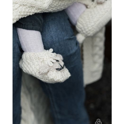 Aran Woollen Mills | Handknit Baby Sheep Slippers | R778- Natural/Oat